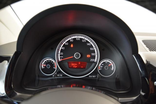 Volkswagen up! Cross UP! 75PK / Navi / LMV / Stoelverwarming