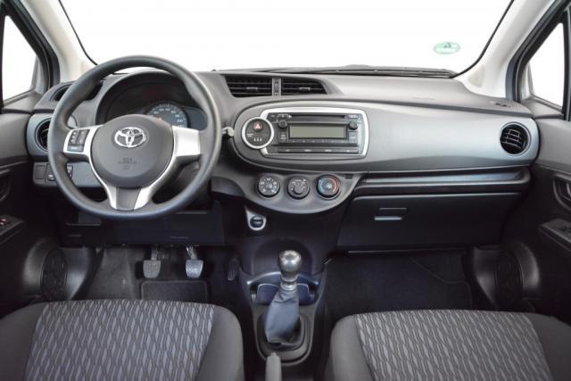 Toyota Yaris 1.3 VVT-I / 100 PK COMFORT Airco 5 deurs